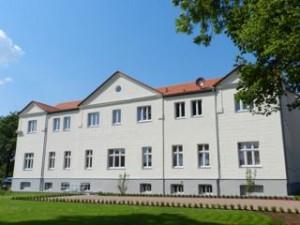 Haupthaus Strassenansicht